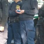 Prohben a policas el uso de celulares en servicio