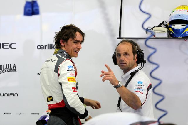 Saubers Esteban Guiterrez hatte nach dem zweiten Testtag in Bahrain gut lachen. (Bild: Keystone)